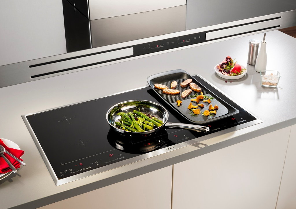 aeg induktionsfeld chefkoch kochen wie die profis. Black Bedroom Furniture Sets. Home Design Ideas