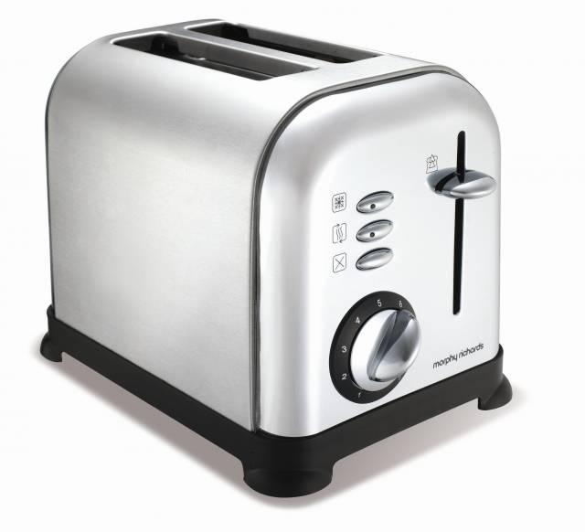 neue designserie accents brushed mit toaster und wasserkocher von morphy richards im retrostil. Black Bedroom Furniture Sets. Home Design Ideas