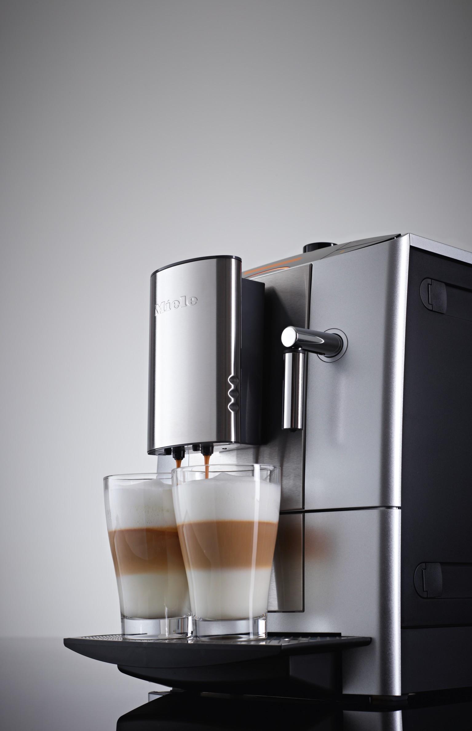 miele cm5200 silveredition kaffeevollautomat das sondermodell ein schmuckst ck in silber. Black Bedroom Furniture Sets. Home Design Ideas