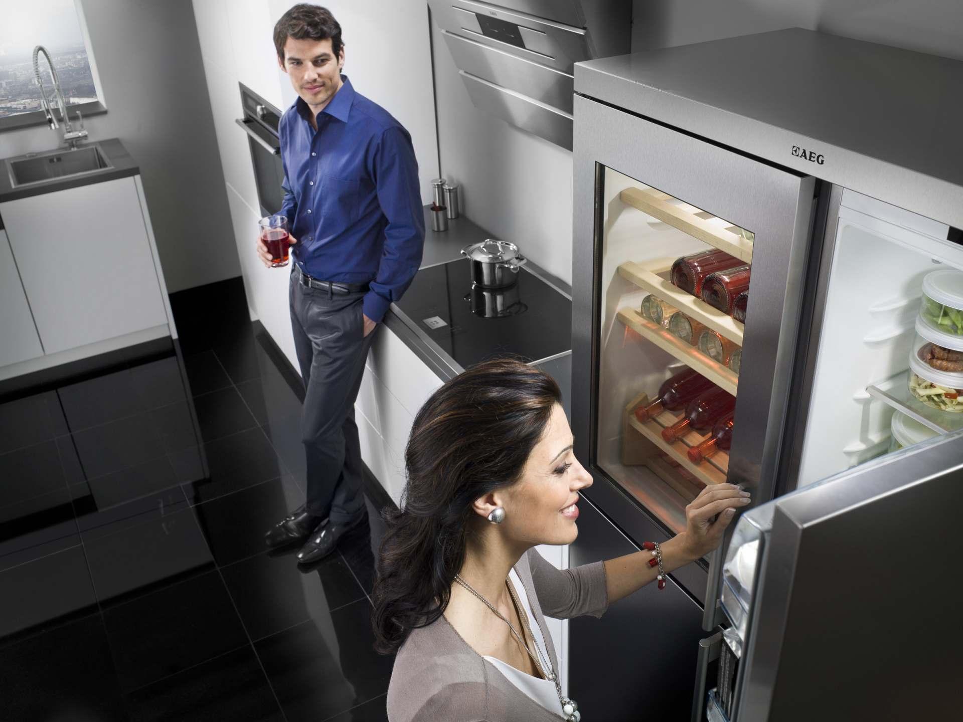 Aeg Kühlschrank Side By Side : Perfektfit neue side by side kühl gefrierkombinationen in edlem