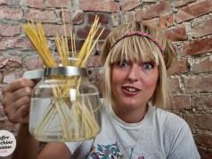 Die schwedische Bloggerin Katja Wulff kreiert Kochrezepte für die Kaffeemaschine. (Bild: Coffee Machine Cuisine)