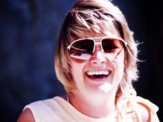 73 Prozent der Deutschen sind zufrieden mit ihrer Haarfarbe. (Bild: Lupo / pixelio.de)