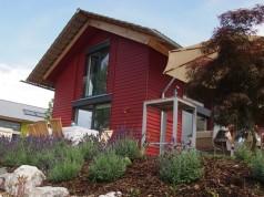 Das Beurer Haus am See bei Ulm lädt interessierte Händler zu Produktschulungen ein. (Bild: Annette Dietzler)