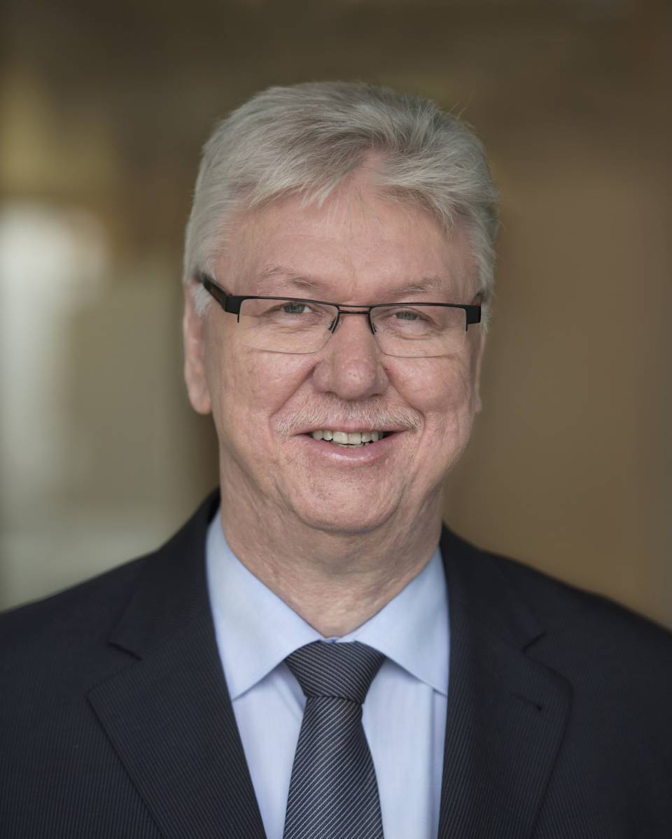 """""""Wir haben unsere Hausaufgaben gemacht!"""" Volker Müller, expert Vorstandsvorsitzender."""