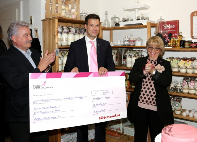 KitchenAid Scheckübergabe an Susan G. Komen Deutschland e.V.