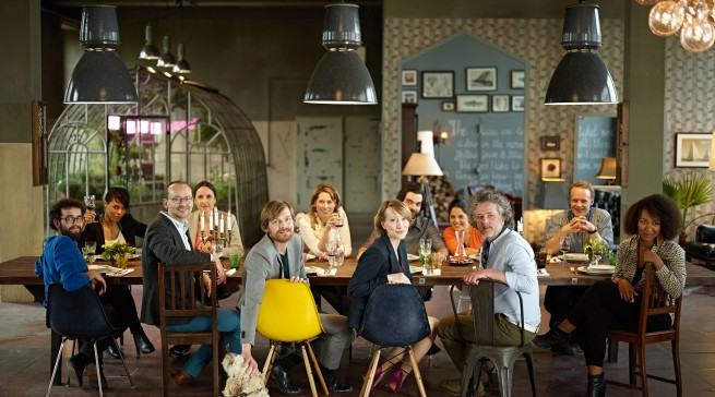 Die sechs Charakter-Köche aus der Neff Marketingkampagne mit ihren Partnern und Freunden.