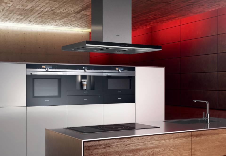 Siemens bitet mit der iQ 700er Reihe ein Gerätepanoramen aus einem Guss.