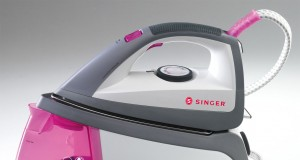 2.200 Watt Leistung bietet die Singer Buegelstation SHG 6203