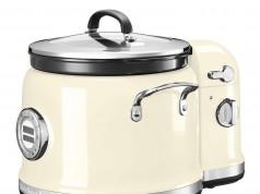 Der KitchenAid Multi-Cooker mit angedocktem Rührturm