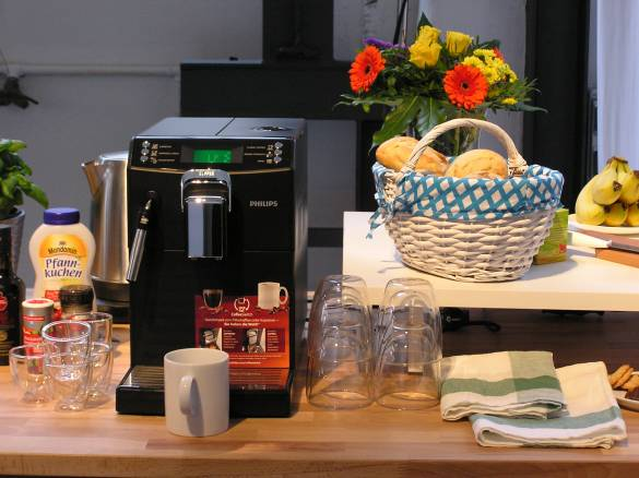 Die 4000er Serie von Philips bereitet sowohl Espresso, Cappuccino & Co. als auch klassischen Kaffee zu.