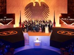 Zum großen Finale strahlten die Sieger des Plus X Award im alten Bonner Plenarsaal um die Wette.