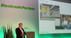 ElectronicPartner Vorstand Friedrich Sobol informierte die Gäste aus der Industrie über die Strategie der Verbundgruppe.