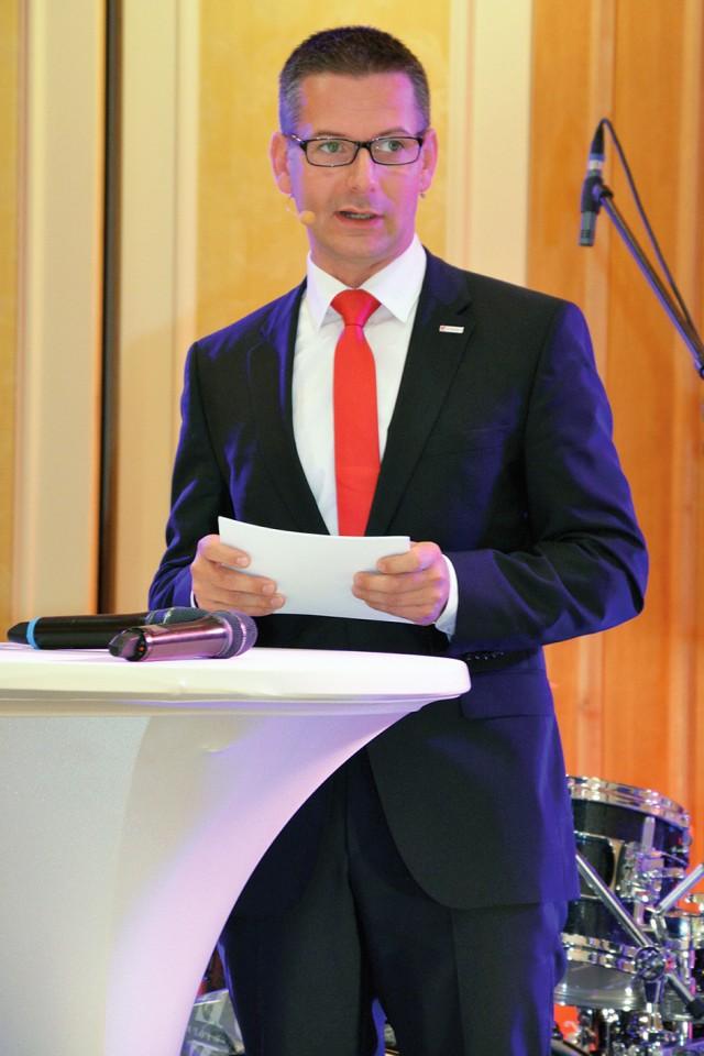 e-masters Geschäftsführer Jens Gorr stellte den Geschäftsbericht 2014 vor.
