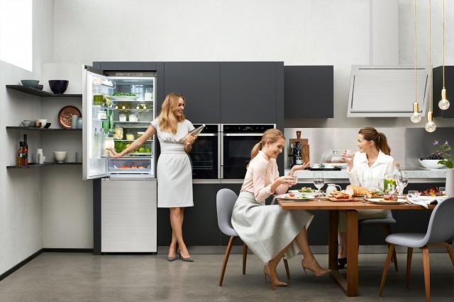 Mehr Lebensqualität: Die eigenen vier Wände sind kreative Schaffungsstätte, modernes Unterhaltungsprogramm und Treffpunkt für Familie und Freunde zugleich. Fotos: Samsung