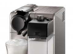 De'Longhi Nespresso Kaffeemaschine Lattissima Touch EN 550 mit Soft-Touch-Bedienfeld.