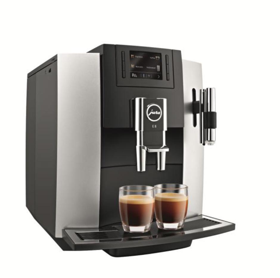 Der JURA E8 Kaffeevollautomat in der Platin-Variante