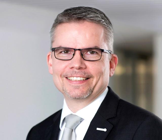 Gerald Brietzke, Abteilungsleiter Technik & Service bei expert, mahnt zur Energieeffizienz.