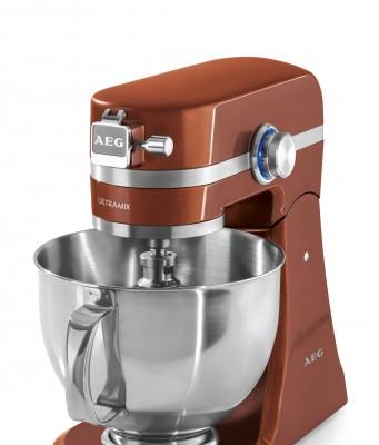 AEG Küchenmaschine UltraMix Serie KM mit 10 Geschwindigkeitsstufen.