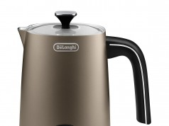 De'Longhi Distinta Milchaufschäumer EMFI ist auch ein Milchaufwärmer.