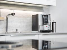 """Macht in der Küche eine """"bella figura"""": CafeRomatica 858 von Nivona."""