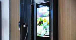"""Liefert Lebensmittel, Musik und Videos: neuer """"Family Hub Fridge"""" von Samsung."""