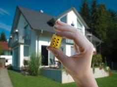 Smart Home – aber wie?: Intelligente Klemme mit integriertem Hochvoltchip.