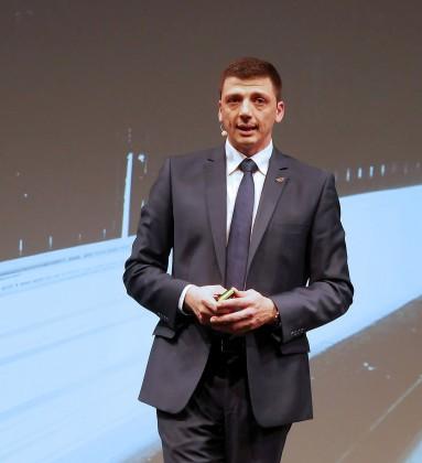 """""""Gehen Sie mit uns neue Wege"""", ermunterte Christian Sokcevic, Geschäftsführer Panasonic DACHNL, die anwesenden Händler."""