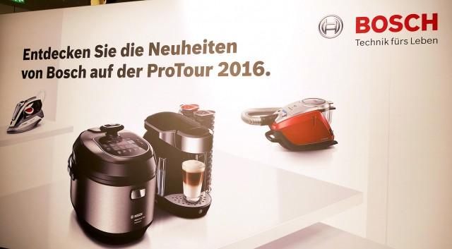 Eine Hand voll Neuheiten und ein Küchenheld namens AutoCook: Die Consumer Products-Sparte der BSH ist derzeit auf der ProTour im Land unterwegs.