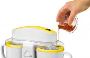 Unold Eismaschine Duo bereitet gleichzeitig 2 Sorten Eiscreme.