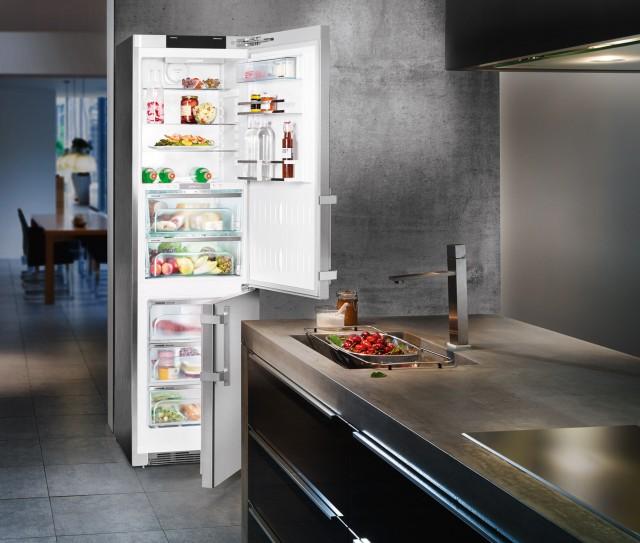 """Die Red Dot-Jury vergab die Auszeichnung """"Red Dot"""" für hohe Designqualität an 16 Kühl- und Gefriergeräte aus der BluPerformance Geräte-Generation von Liebherr."""