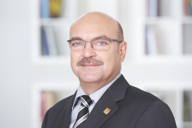 """""""Der Markt hat sich so verändert, dass man auch Selbstverständlichkeiten deutlich herausstellen muss"""", so Franz Schnur, Geschäftsführer telering."""