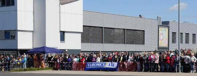 Mehr als 2.000 Fans waren zu Euronics XXL Kurzer nach Bad Hersfeld gekommen.