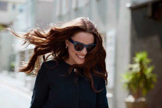 Eine der überraschenden Erkenntnisse aus dem Philips Global Beauty Index 2015 war, dass nur die Hälfte aller Frauen (51 %) weltweit sich selbst als schön empfindet.
