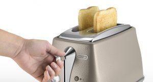 De´Longhi Toaster Icona Elements mit 2 Toast-Kammern.