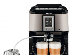Krups Kaffeevollautomat One-Touch Quattro Force EA 880E mit One-Touch-Cappuccino-Funktion.