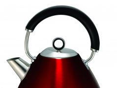 Der Morphy Richards Accents Wasserkocher in Rot