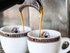 """Nur bei entsprechender Pflege des Siebträgers ist auch das """"Finish"""" in der Espressotasse zufriedenstellend."""