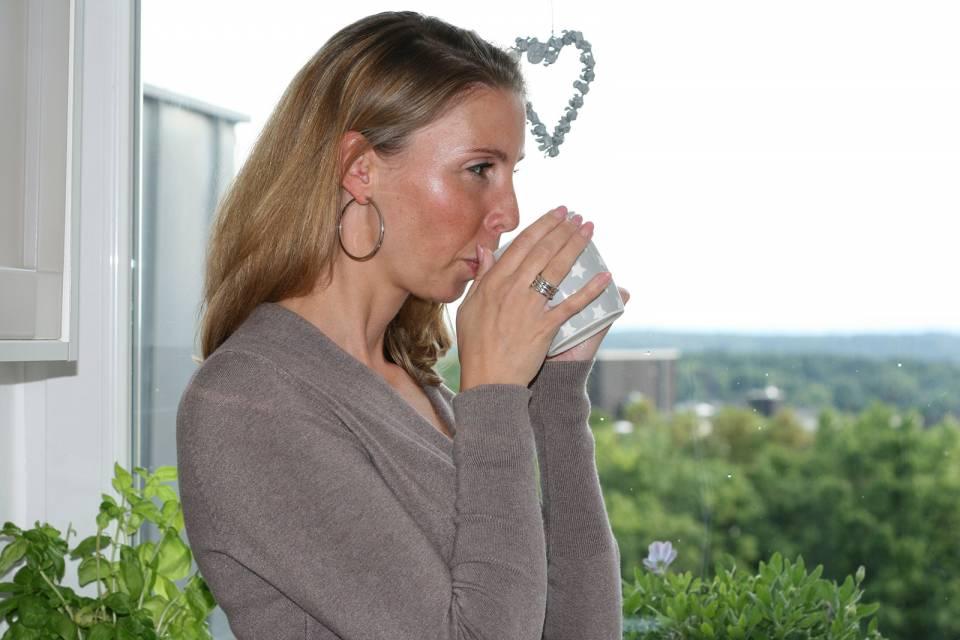 """""""Nach Feierabend setze ich mich mit einem frisch gebrühten Kaffee auf die Dachterrasse. Diese fünf Minuten sind wie ein Kurzurlaub"""", Stefanie Wolf."""
