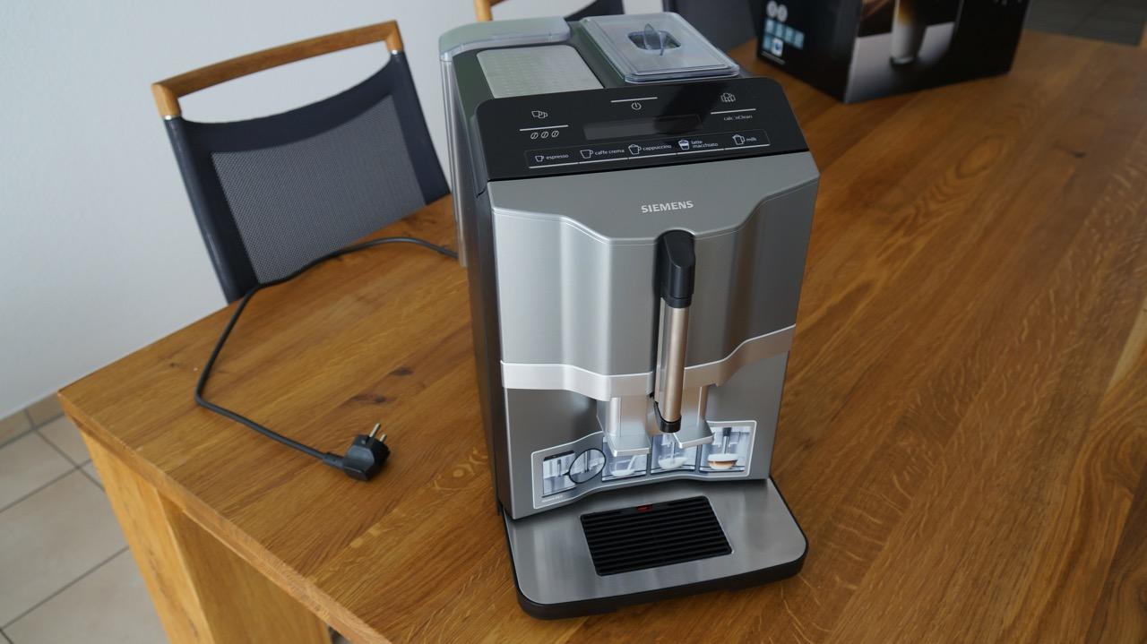 siemens eq 3 kaffeevollautomat im test 1 unboxing funktionen. Black Bedroom Furniture Sets. Home Design Ideas