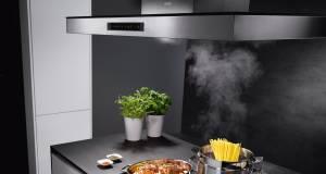 Weniger Stress beim Kochen verspricht die Dunstabzugshaube Puzzle Skylight mit Hob2Hoob-Funktion von AEG.