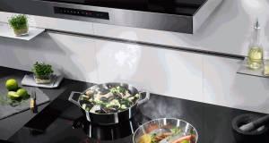 """Für weniger Stress beim Kochen sorgt die Dunstabzugshaube """"Puzzle Skylight"""" mit einer intelligenten Hob2Hoob-Funktion."""