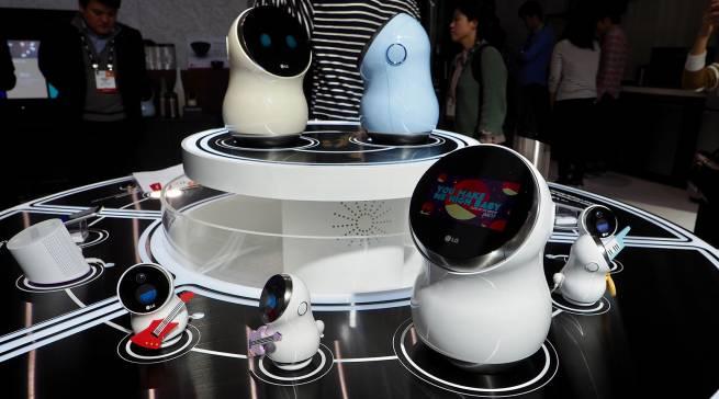 Mit den neuen, im Gegensatz zum LG HomBot, nicht nur auf Reinigung ausgelegten Robotern, setzt LG seine Innovationen im Bereich der Automatisierung mit Technologien der künstlichen Intelligenz (KI) fort.