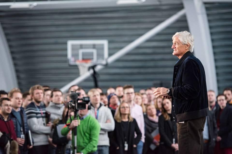 James Dyson investiert in Forschung und Entwicklung.