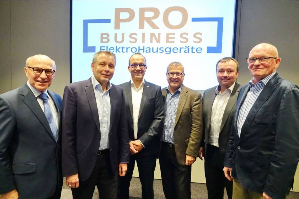 Der alte und neue Vorstand von ProBusiness (v.l.): Heinz Werner Ochs, Peter Wildner, Jan Recknagel, Heinz Götz, Thomas Schwamm und Berthold Niehoff.