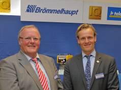 Familieninterne Nachfolge vollzogen: Robert Drosdek übernimmt von seinem Vater Dr. Ernst-Dieter Drosdek das Ruder beim Fachgroßhändler Brömmelhaupt, Frechen bei Köln.