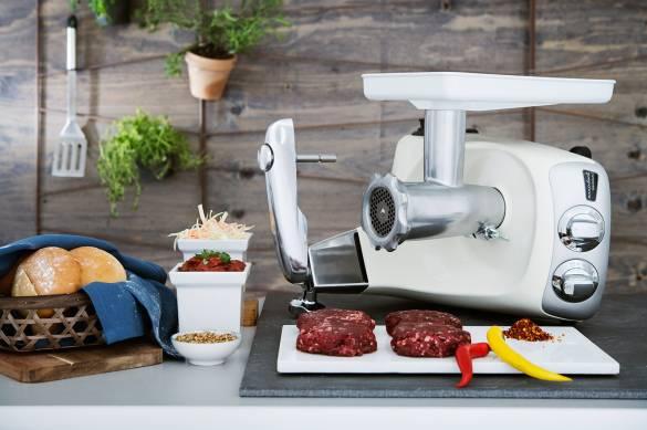 Auch trendige Burger lassen sich mit der Küchenmaschine vorbereiten.