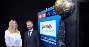 Gorenje baut auf den Werbewert des Handballs und engagiert sich in der Velux EHF Champions League. Den entsprechenden Vertrag unterzeichneten Alenka Poto?nik Anži?, Director Marketing Communications Gorenje, und David Szlezak, Geschäftsführer EHF Marketing GmbH.