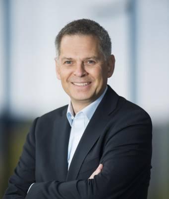 """Pieter Haas, CEO der Media-Saturn Holding GmbH: """"Wir sind nicht mehr nur Computer- oder Fernsehhändler, sondern müssen dafür sorgen, dass unsere Kunden ein problemloses digitales Leben führen können."""""""