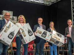 Firmenjubiläum in Bad Neustadt: 50 Staubsauger gingen an gemeinnützige Organisationen.