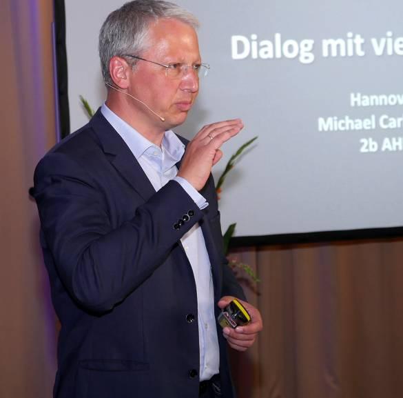 """""""Kunden wollen keine standardisierten Erwartungen und kein einheitliches Kommunikationsverhalten, so Michael Carl, Geschäftsführer des Think Tank 2b Ahead aus Leipzig."""
